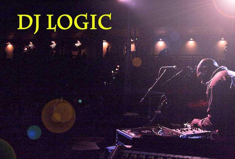 Dj Logic on turntables